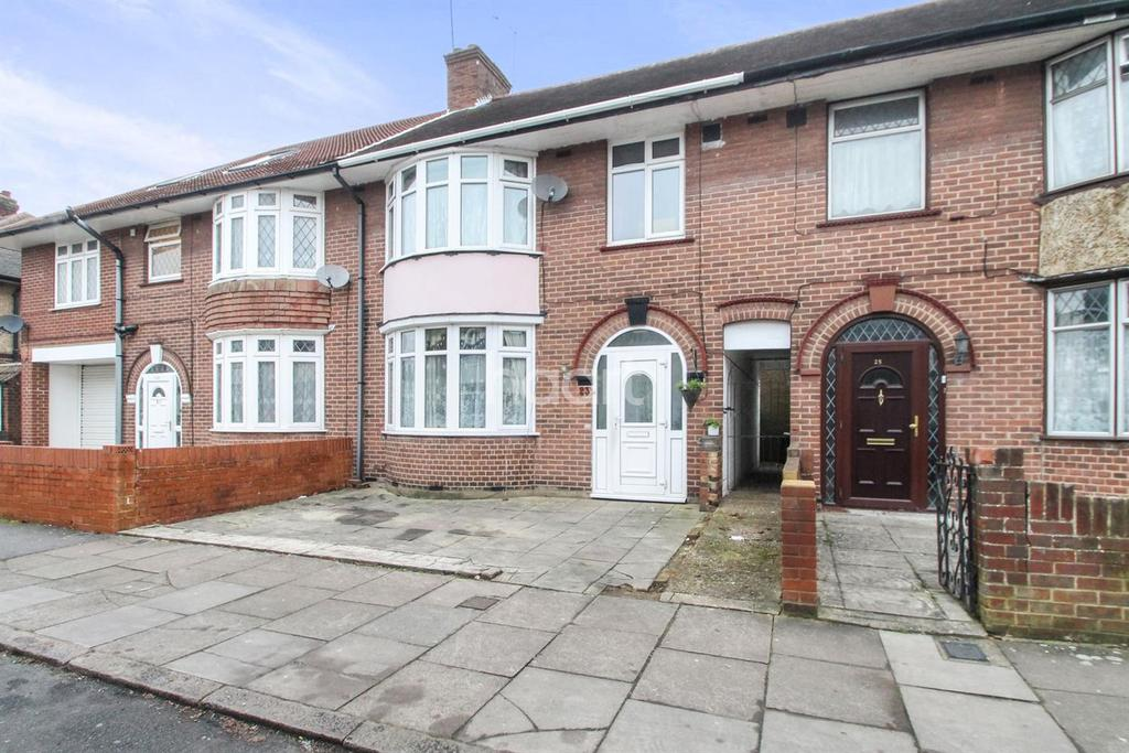 3 Bedrooms Terraced House for sale in Spacious Home In The Saints