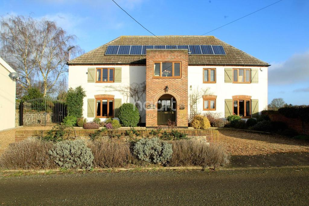 4 Bedrooms Detached House for sale in Chapel Road, Necton