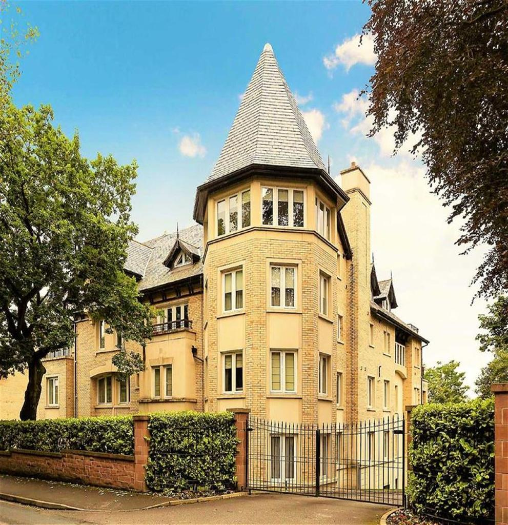 3 Bedrooms Apartment Flat for sale in South Downs Road, Bowdon, Cheshire, WA14
