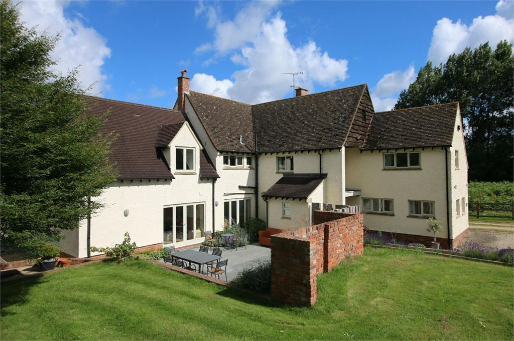 4 Bedrooms Detached House for sale in Leckhampton, Cheltenham
