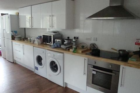 8 bedroom flat to rent - Flat 1 The White Hart