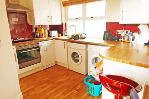 2 bedroom flat to rent - Flat 3, 24 Burns Street, Nottingham, NG7 4DT