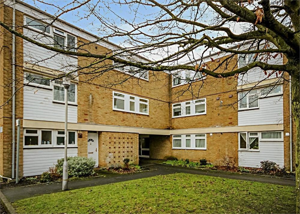 2 Bedrooms Flat for sale in Cunworth Court, Bracknell, Berkshire