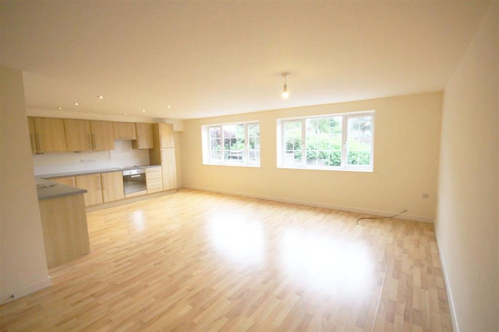 2 Bedrooms Apartment Flat for sale in 5 The Courtyard, Colne Lane, Colne