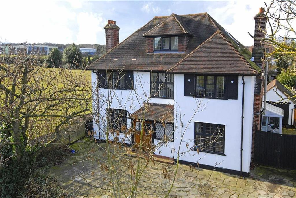 5 Bedrooms Detached House for sale in Oakley Road, Bromley, Kent