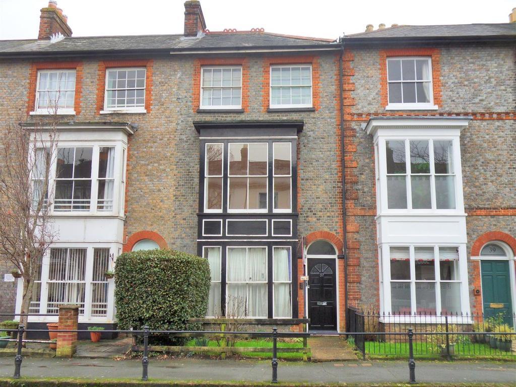 2 Bedrooms Apartment Flat for sale in Carisbrooke Road, Newport