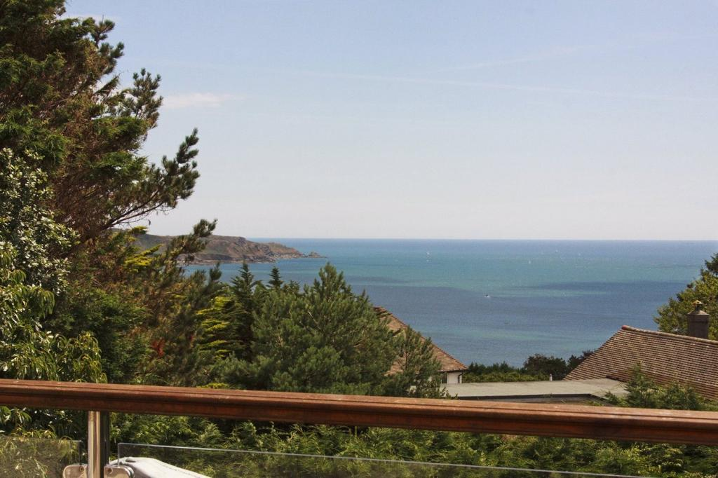 3 Bedrooms Detached House for sale in Moult Hill, Salcombe, Devon, TQ8