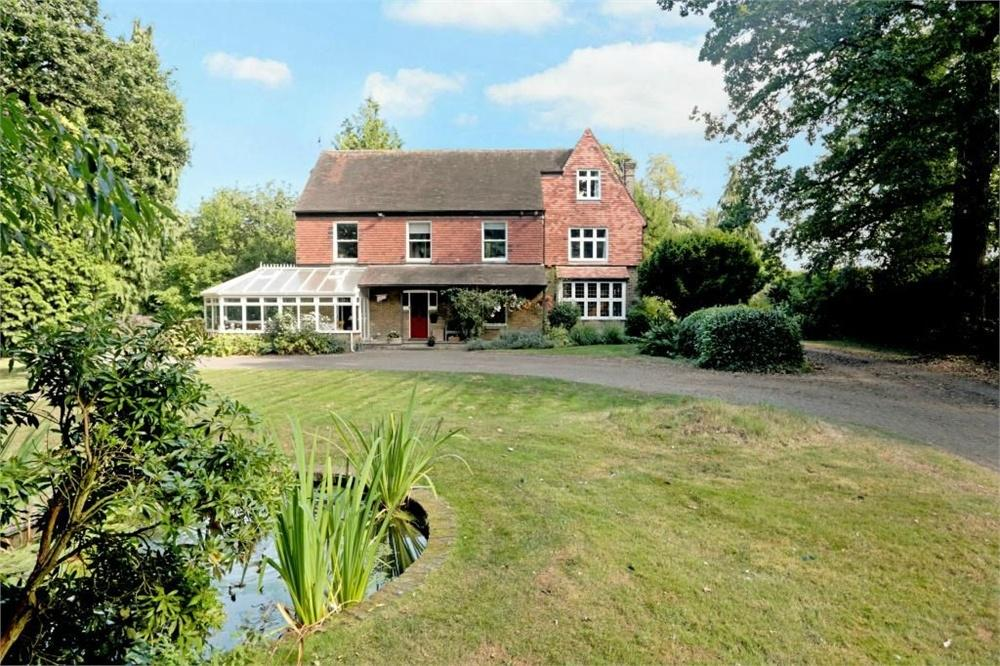 6 Bedrooms Detached House for sale in Round Street, Sole Street