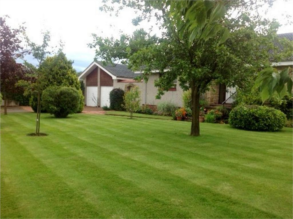 4 Bedrooms Detached Bungalow for sale in 8 Mawcarse Crossroads, Mawcarse, Kinross-shire
