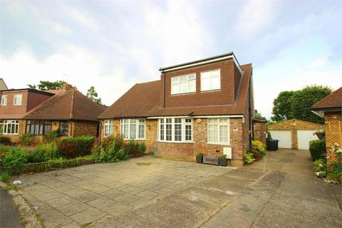 4 bedroom semi-detached bungalow to rent - Chequers Orchard, Iver, Buckinghamshire