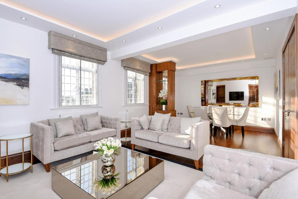3 Bedrooms Flat for sale in Baker Street, Marylebone, NW1