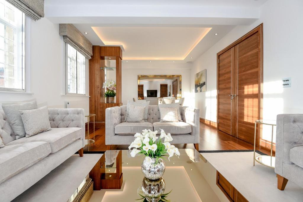3 Bedrooms Flat for sale in Baker Street, Marylebone