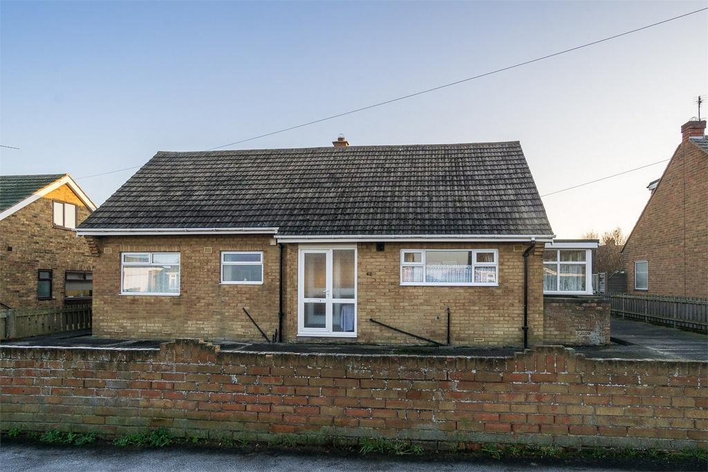 5 Bedrooms Detached Bungalow for sale in Seacroft Road, WITHERNSEA, East Riding of Yorkshire