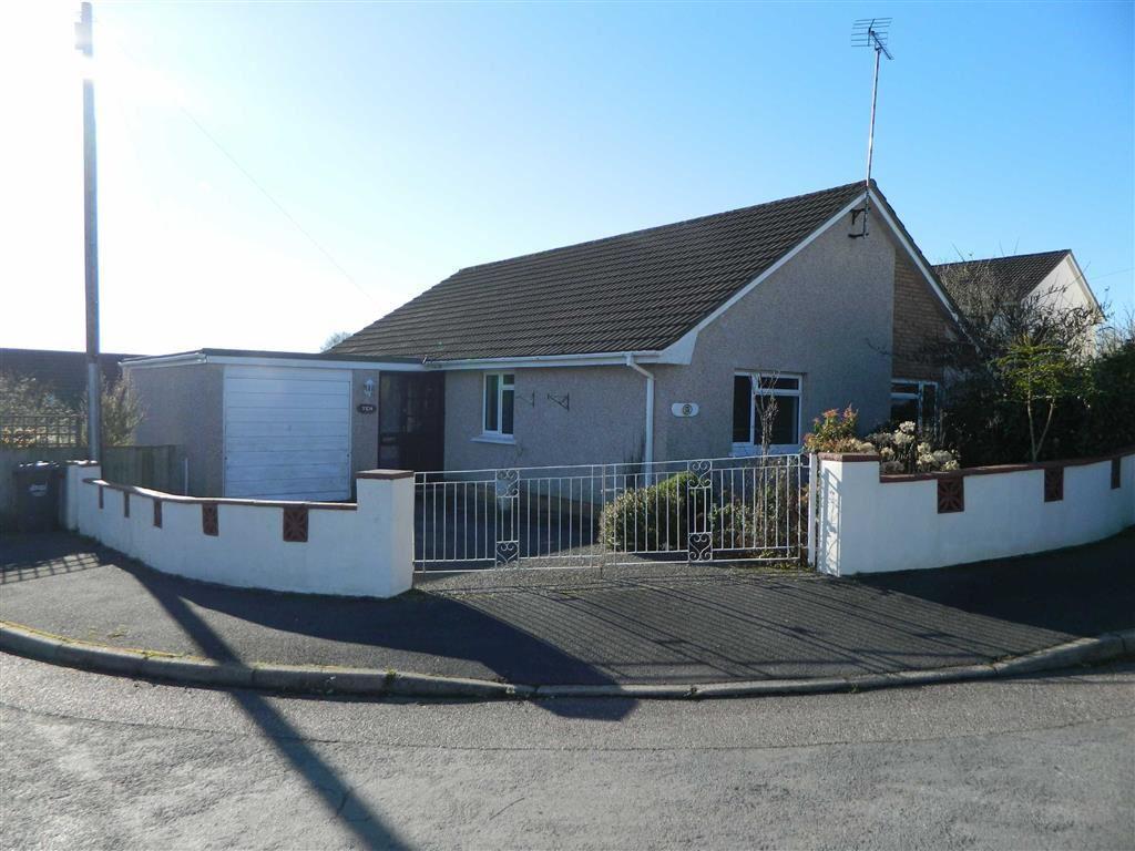 3 Bedrooms Bungalow for sale in Deans Park, South Molton, South Molton, Devon, EX36