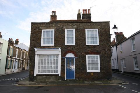 2 bedroom cottage to rent - Middle Street, Deal