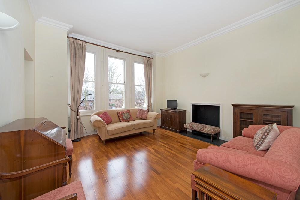 2 Bedrooms Flat for sale in Keswick Road, Putney, SW15