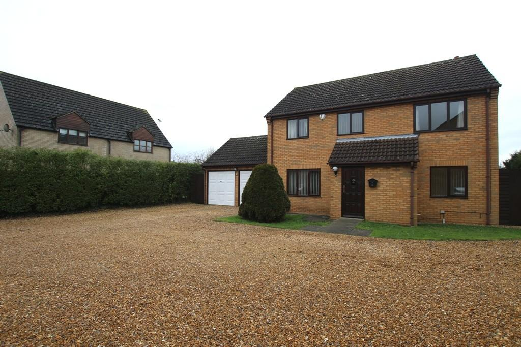 4 Bedrooms Detached House for sale in Tramar Drive, Sutton