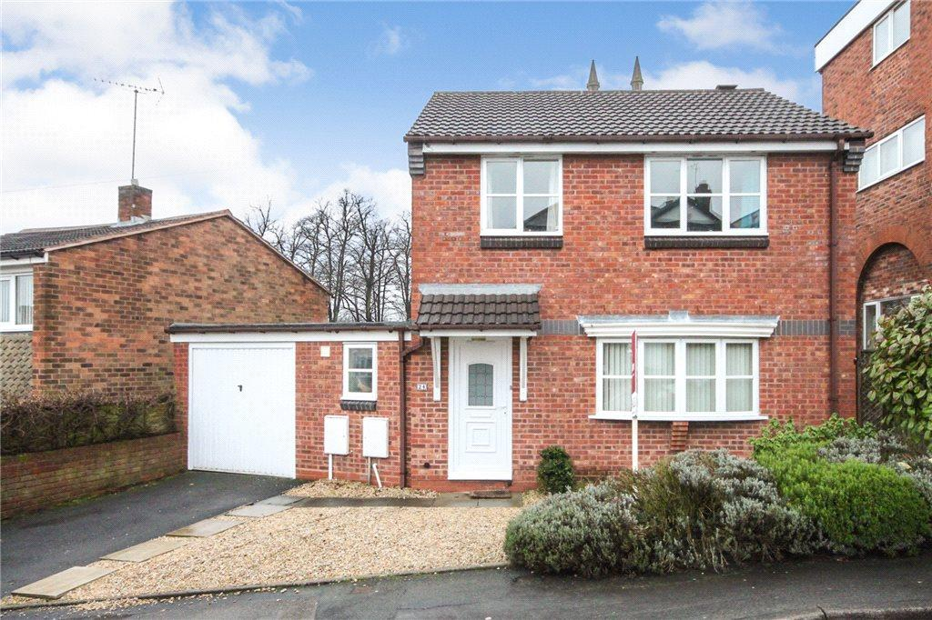3 Bedrooms Detached House for sale in Leswell Lane, Kidderminster, DY10