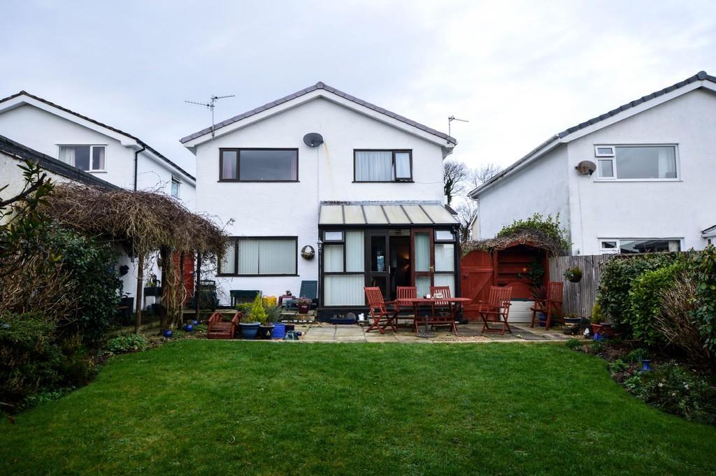 4 Bedrooms Detached House for sale in Mill Bank Estate, Llandegfan, North Wales