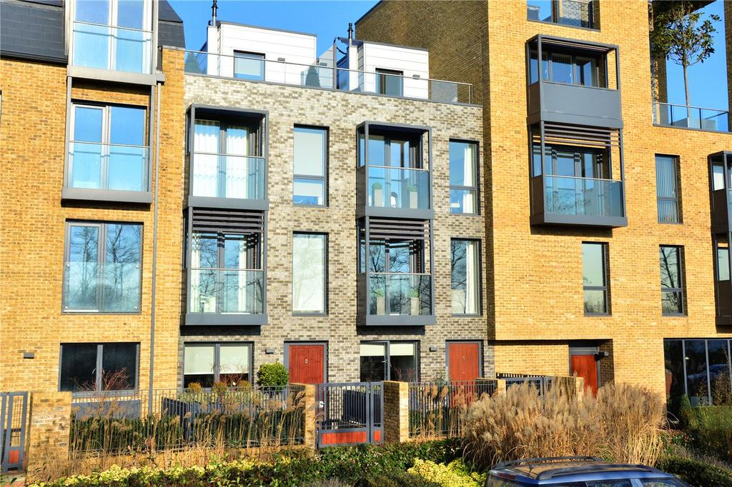 3 Bedrooms Terraced House for sale in Armstrong Close, Blackheath, London, SE3