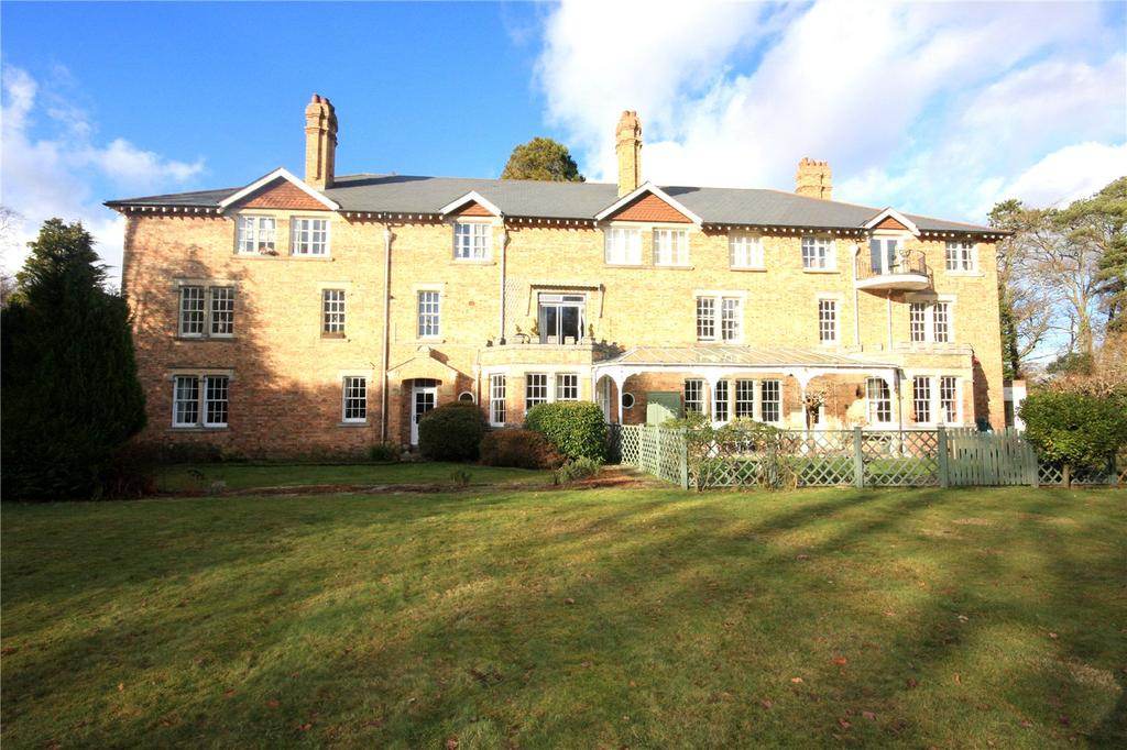 2 Bedrooms Retirement Property for sale in Manchester Road, Sway, Lymington, Hampshire, SO41