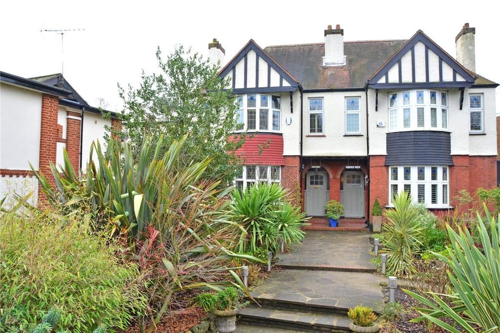 4 Bedrooms Semi Detached House for sale in Mottingham Lane, London, SE9