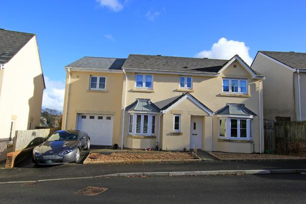 5 Bedrooms Detached House for sale in Parc Starling, Johnstown, Carmarthen, Carmarthenshire