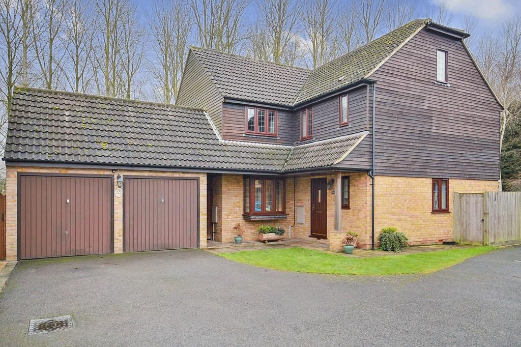 5 Bedrooms Detached House for sale in Bittern Close, Kelvedon