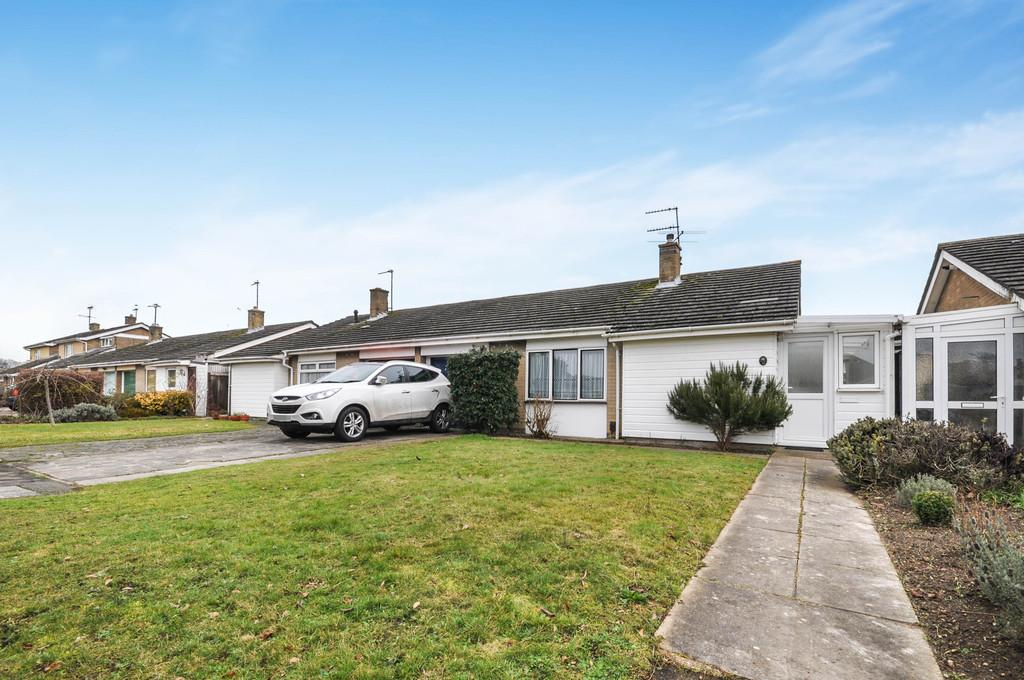 3 Bedrooms Semi Detached Bungalow for sale in Lucy Close, Stanway, West Colchester