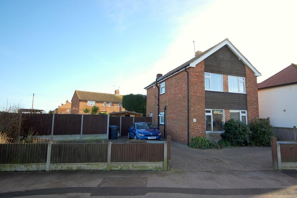 3 Bedrooms Detached House for sale in Greenhill Road, Greenhill, Herne Bay