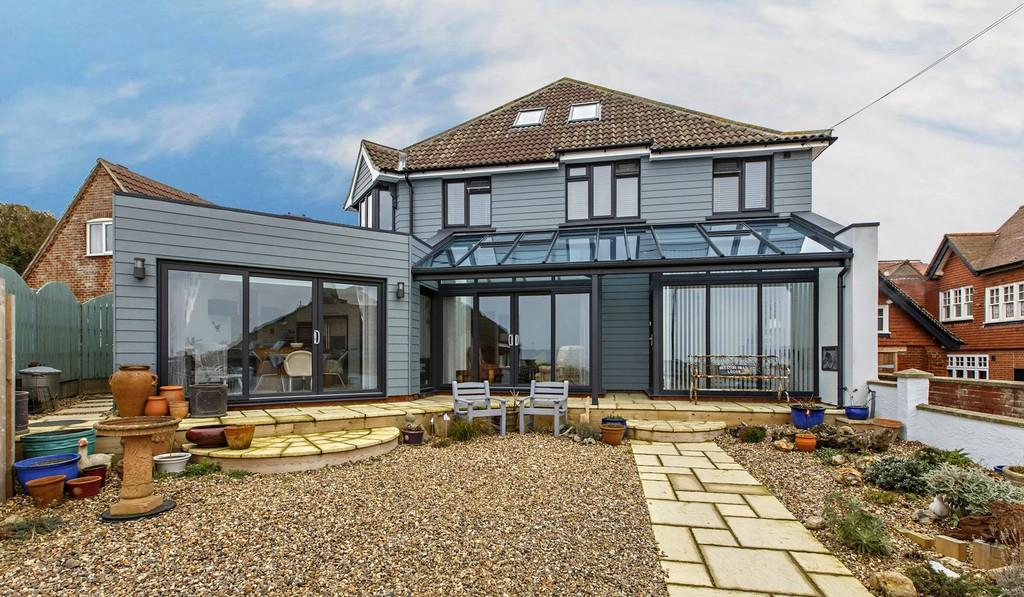 8 Bedrooms Detached House for sale in Cliff Road, Sheringham