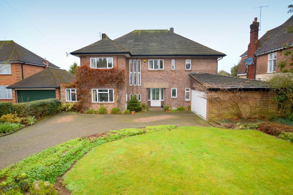 5 Bedrooms Detached House for sale in Old Bedford Road, Luton, LU2 7EH