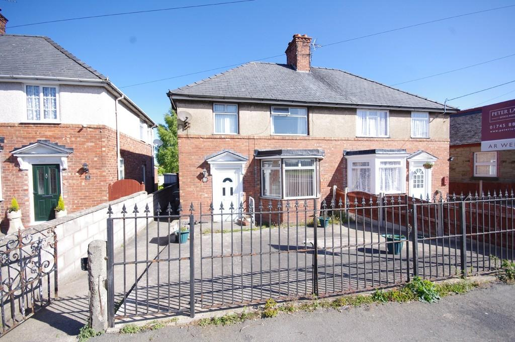 3 Bedrooms Semi Detached House for sale in Coed Mor, Penyffordd