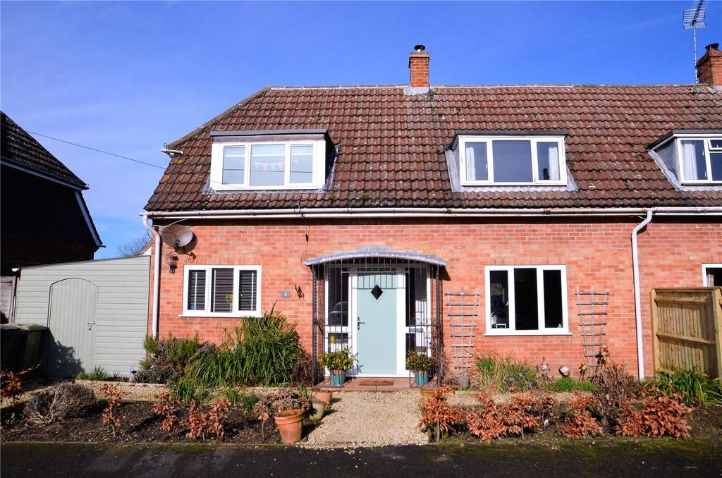 3 Bedrooms Semi Detached House for sale in Casey Court, Stanford Dingley, Reading, RG7