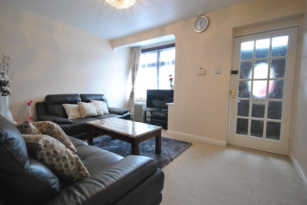3 Bedrooms Terraced House for sale in Third Avenue, Dagenham
