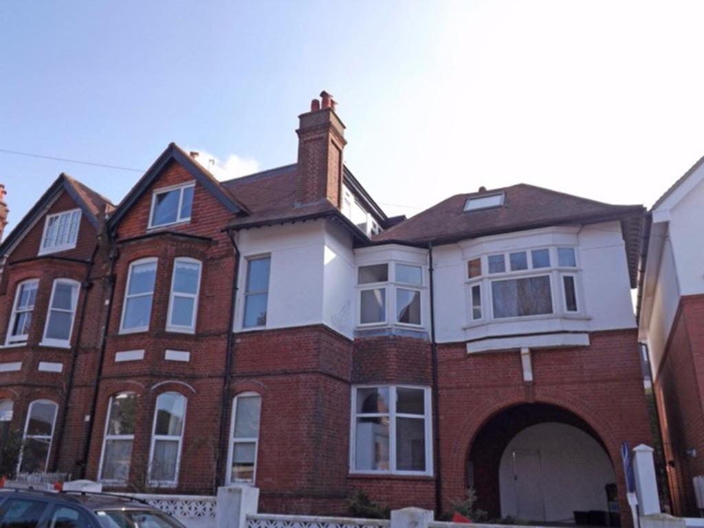 2 Bedrooms Flat for sale in Chatsworth Road Brighton East Sussex BN1