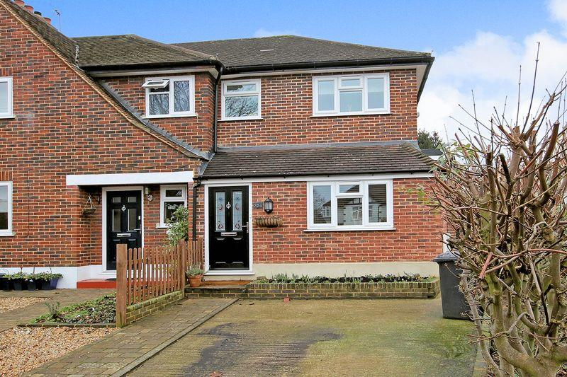 2 Bedrooms Terraced House for sale in Manor Park Road, West Wickham