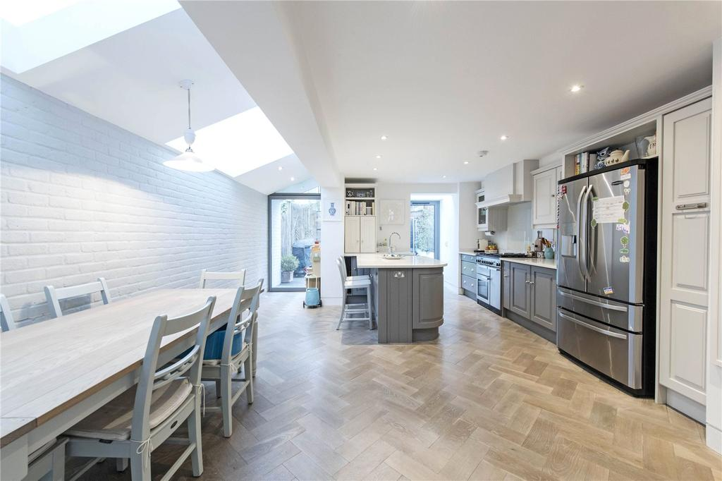 5 Bedrooms Terraced House for sale in Fernside Road, London, SW12