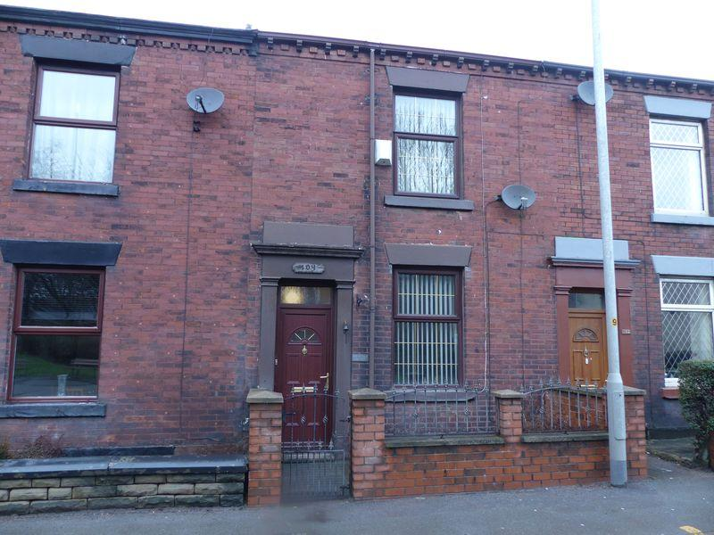 3 Bedrooms Terraced House for sale in Manchester Road, Shaw