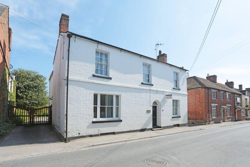5 Bedrooms Village House for sale in Market Lavington, Devizes, Wiltshire, SN10 4AG