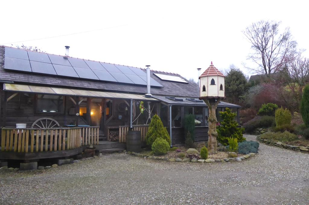 3 Bedrooms Land Commercial for sale in The Cabin, Llanybydder, SA40