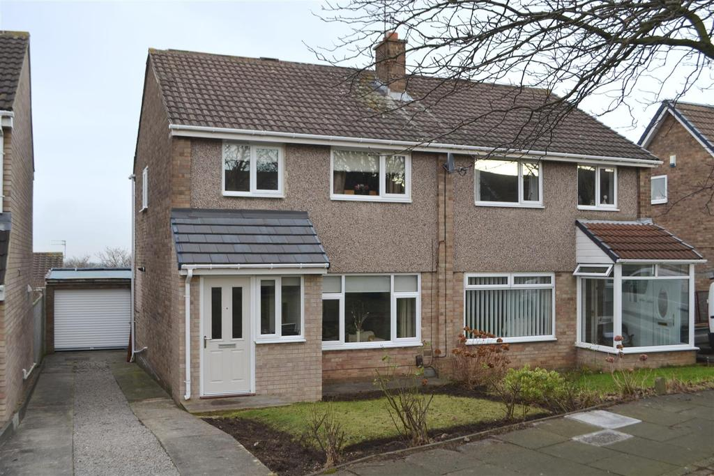 3 Bedrooms Semi Detached House for sale in Copley Drive, Tunstall, Sunderland