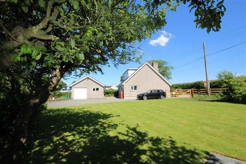 2 Bedrooms Detached House for sale in Llanddaniel, Anglesey, LL60
