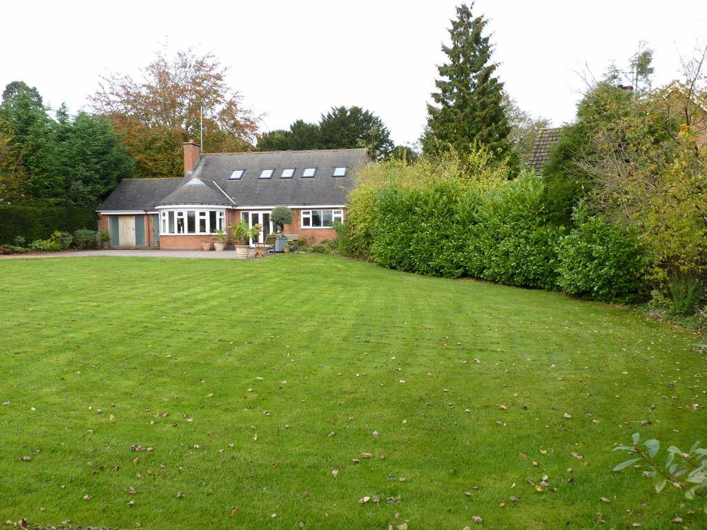 4 Bedrooms Detached Bungalow for sale in Main Street, Great Oxendon