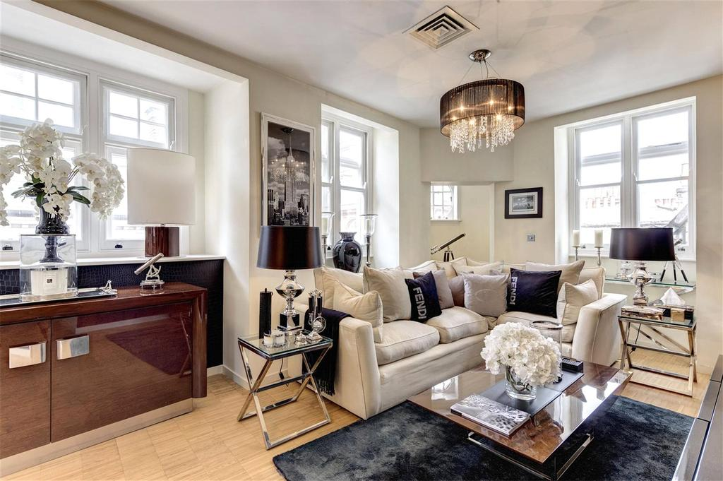 3 Bedrooms Apartment Flat for sale in Wardour Street, Soho, W1F