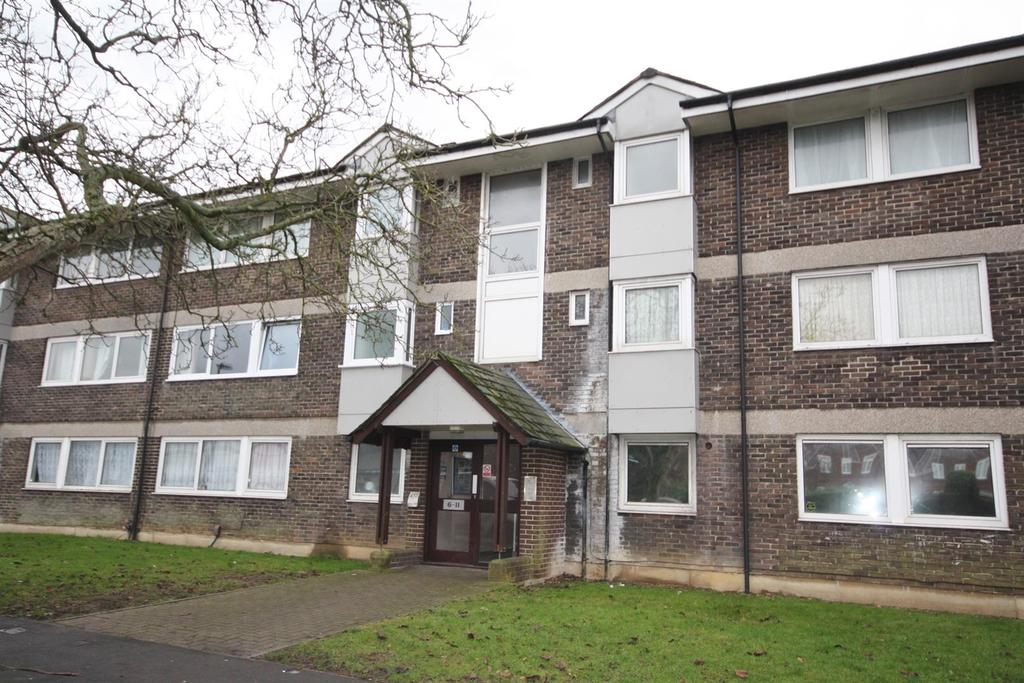 2 Bedrooms Flat for sale in Walnut Avenue, Southampton