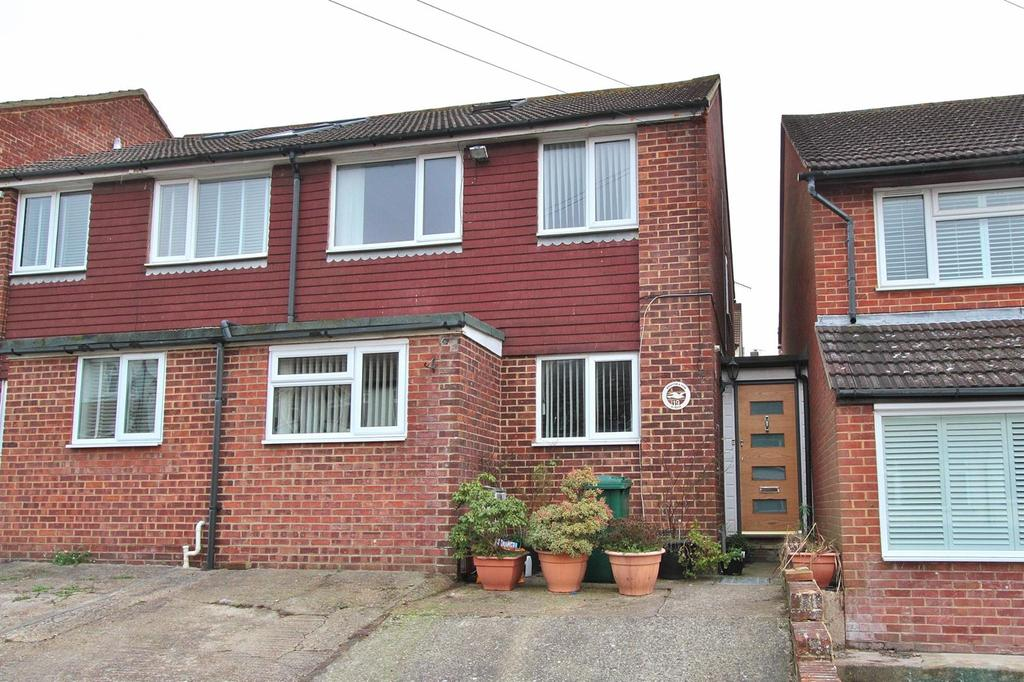 3 Bedrooms Semi Detached House for sale in Harrington Place