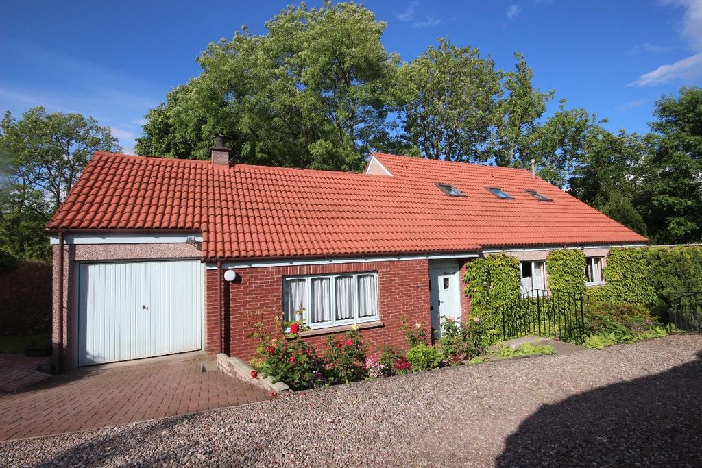 4 Bedrooms Detached House for sale in The Cross, Rattray, Blairgowrie, Perthshire, PH10 7DR