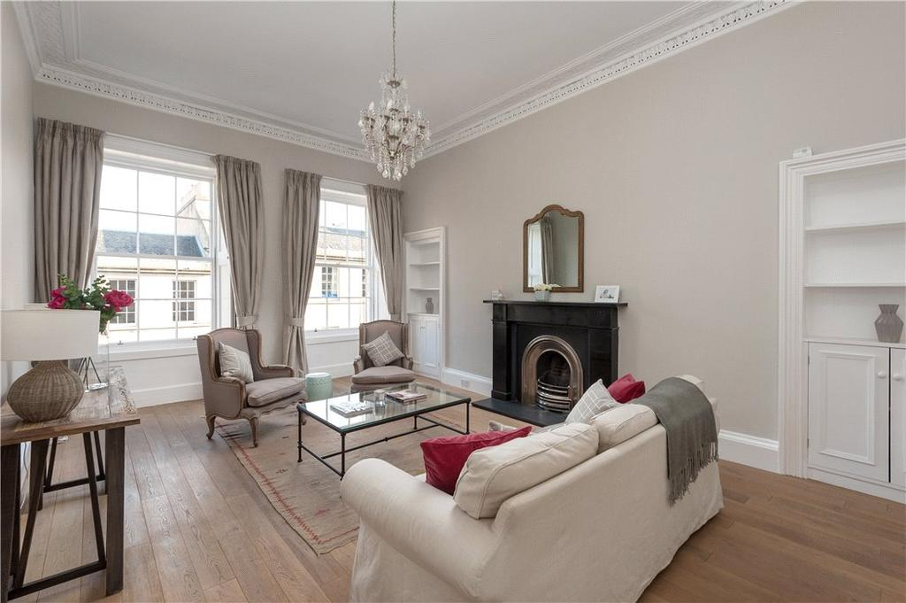 3 Bedrooms Flat for sale in Clarence Street, Edinburgh, Midlothian, EH3