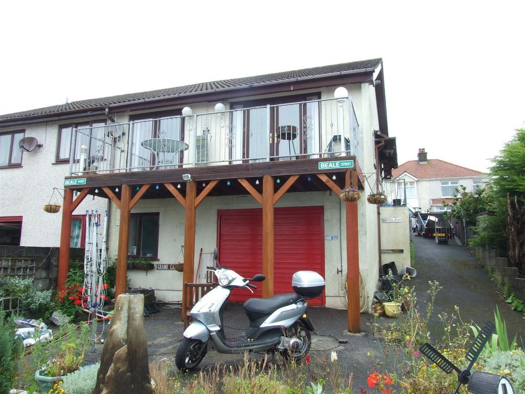 3 Bedrooms Semi Detached House for sale in Gower View, Llanelli